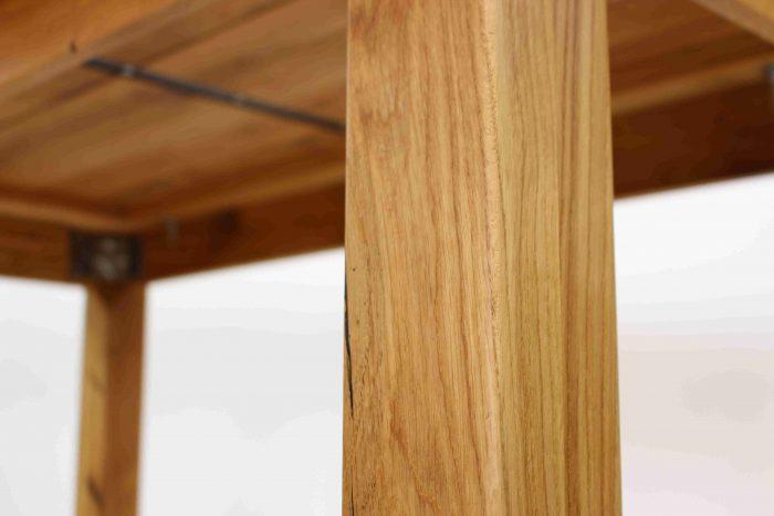 moderner geölter esstisch aus massivholz