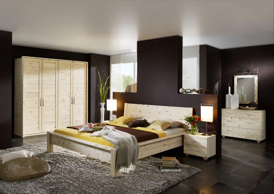 Günstiges Schlafzimmer aus Zirbenholz