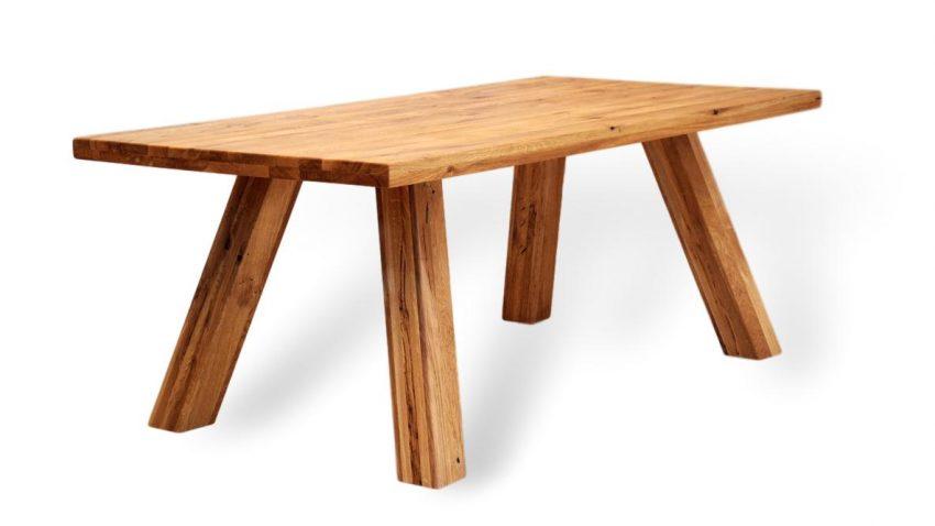 Rustikaler und sehr stabiler esstisch aus massivholz