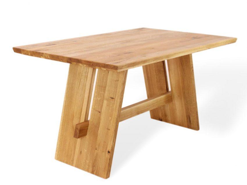 Esstisch mit Wangen aus massivholz