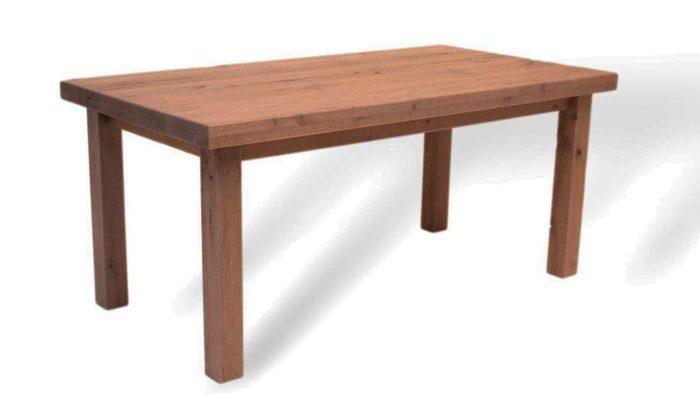 Massivholztisch in französischen Design