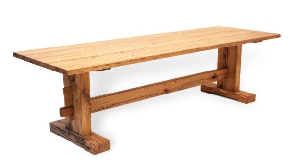 Historischer Esstisch aus massivholz