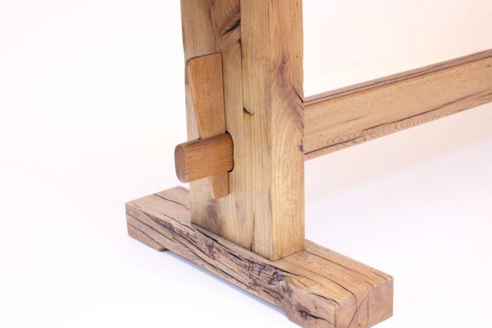 traditionelles tischbein aus massivholz eiche