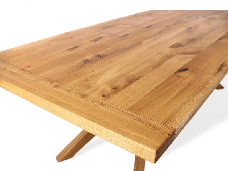 designertisch aus massivholz für ihr esszimmer