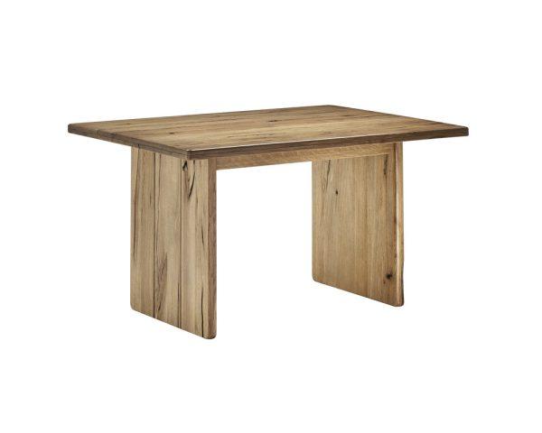 Esstisch aus Massivholz mit Wangen