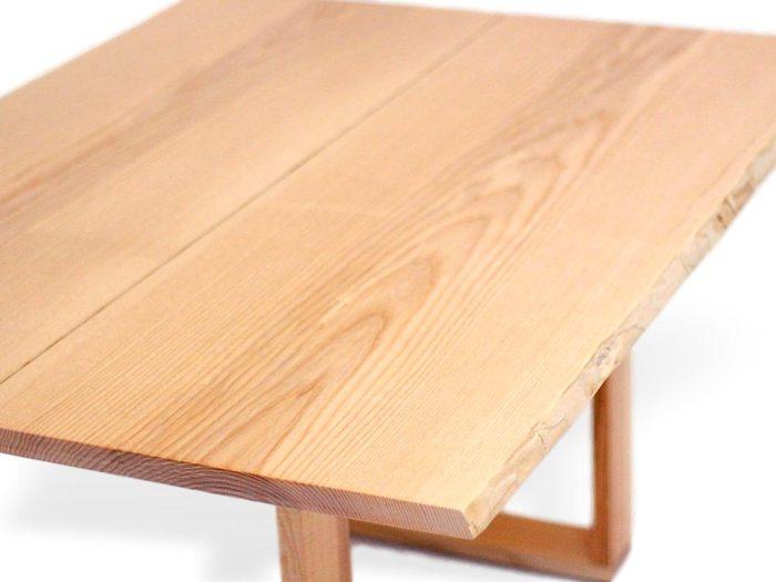baumtisch aus Massivholz