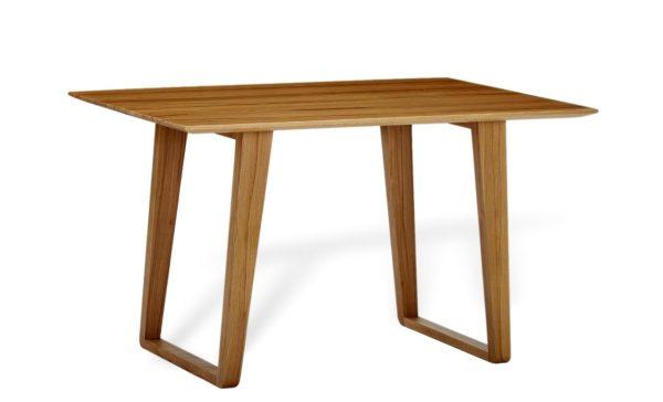 Moderner Esstisch in Skandinavischem Design. Wohnideen aus Massivholz