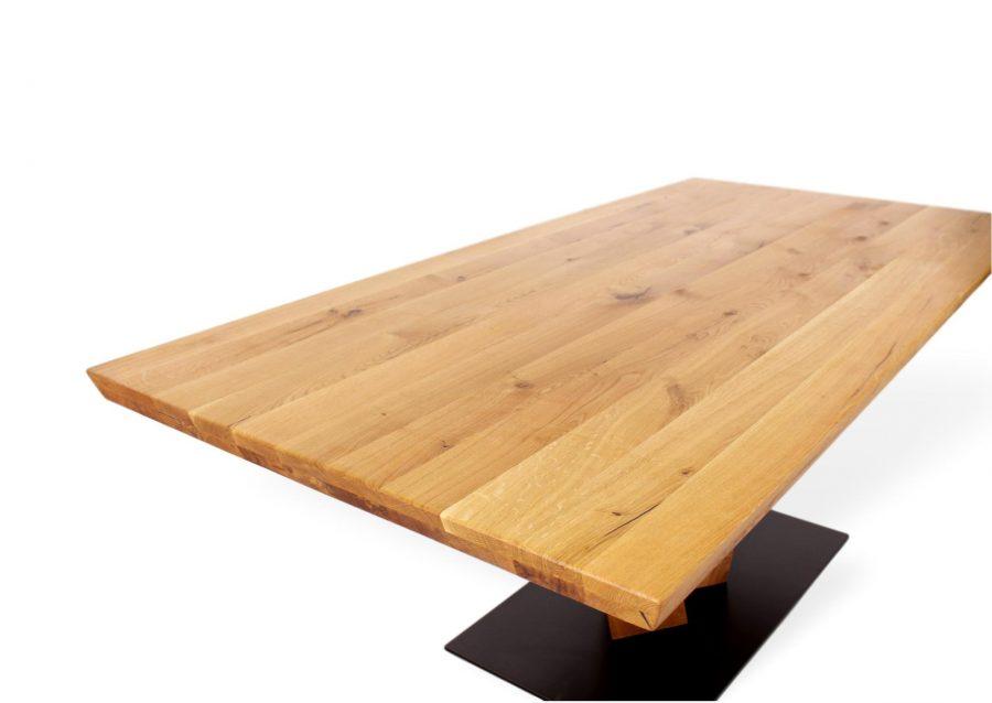 Seltener Massivholztisch aus Eiche und Metalbeinen