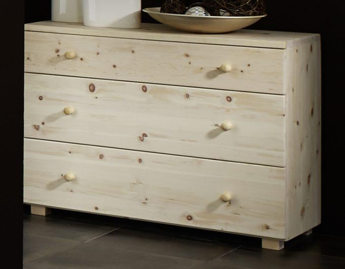 kommode für schlafzimmer aus zirbenholz