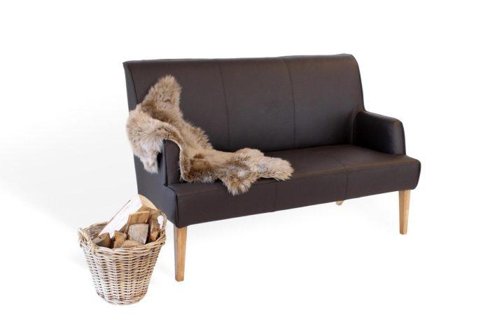moderne Sitzbank aus leder und holz für die küche und das esszimmer