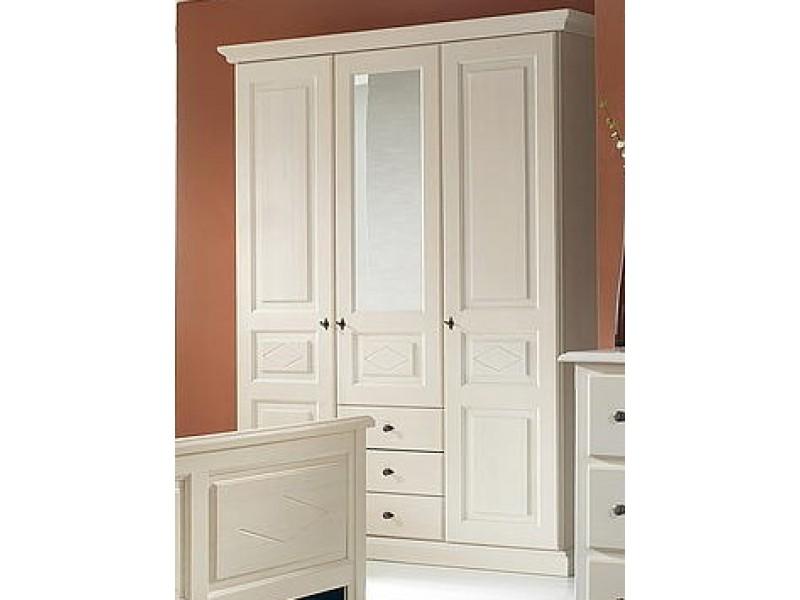 toller schrank für schlafzimmer aus fichte im LAndhausstil weiß