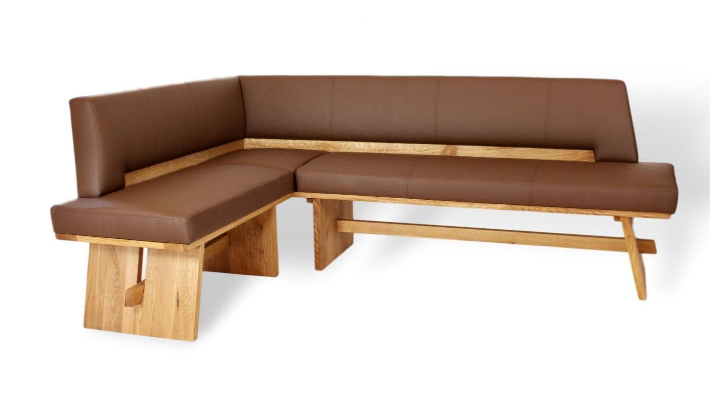 moderne und zugleich traditionelle eckbank aus massivholz und echtleder