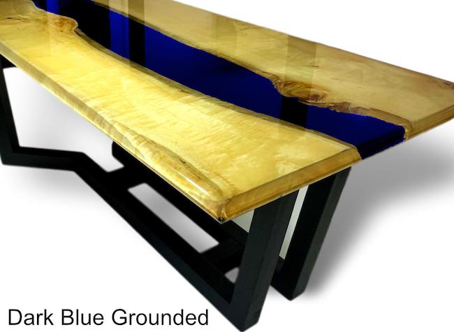 blauer Epoxidtisch. Exklusive Möbel