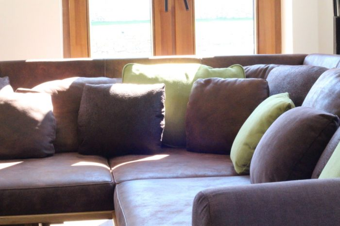 Luxus sofa aus massivholz und echtleder
