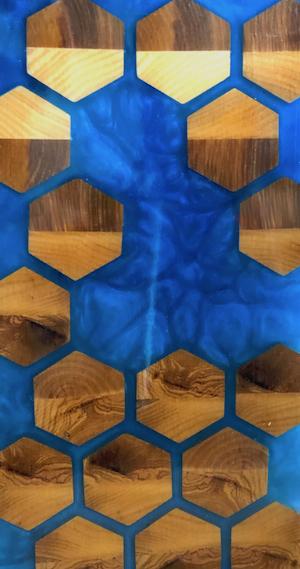 Massivholzmöbel mit Epoxid