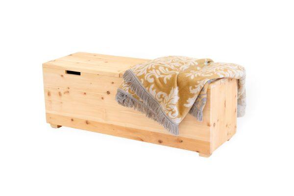 bettkasten aus zirbenholz einzigartig massiv handgefertigt