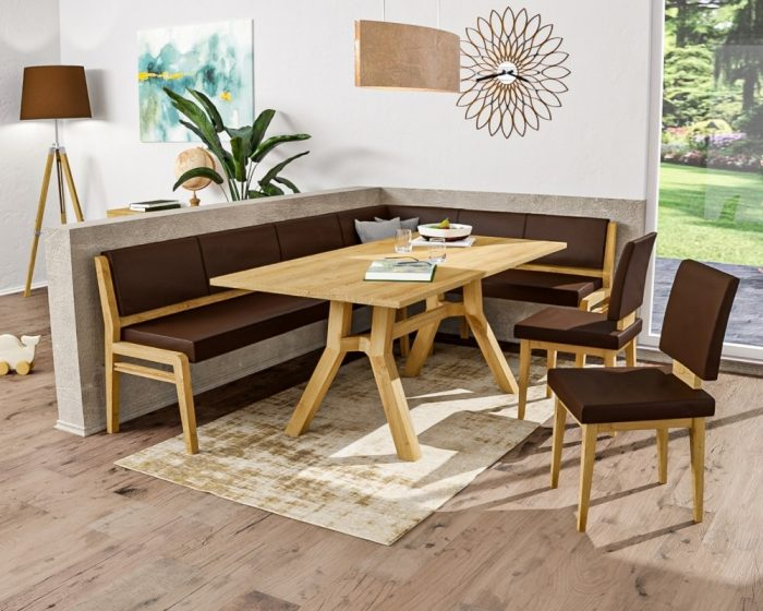 Bequeme Eckbank aus massivholz und Kunstleder mit viel Platz für viele Personen