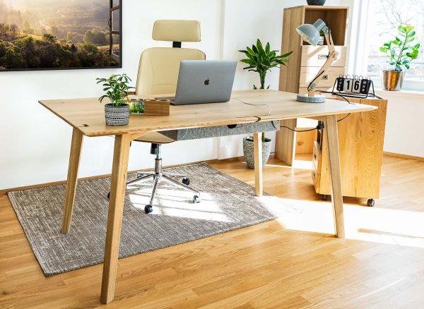 schreibtisch aus massivholz home office ambiente naturnah desk
