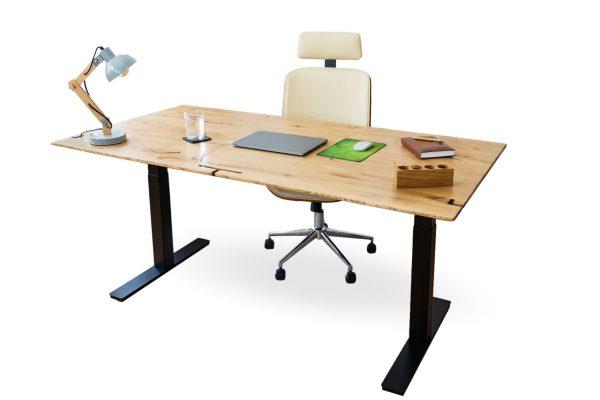 Höhenverstellbarer Schreibtisch mit funktionen aus Echtholz für das Büro