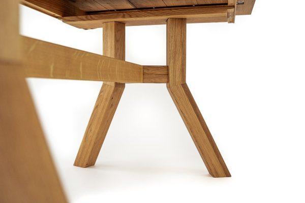 esstisch groß aus vollholz design gestell